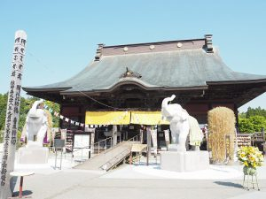 ちょっぴり異色なお寺さま。 吉ゾウくんのお寺 長福寿寺